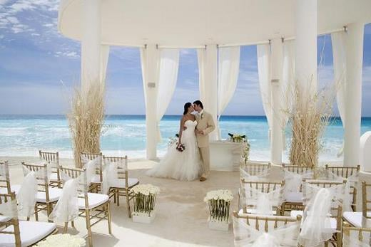 The Best Destination Wedding Locations In The Caribbean: Sun_Palace_Weddig